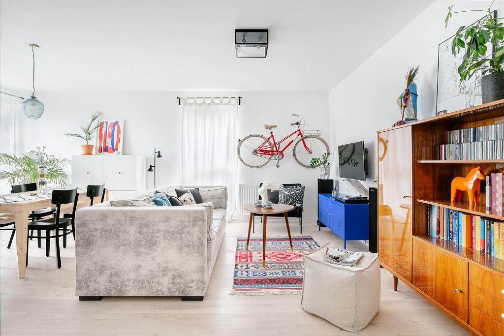 Playful Vintage Apartment by Hanna Połczyńska, Poland | Freelance Interior Designers: Inspiring Living Room Design Styles on Huntlancer
